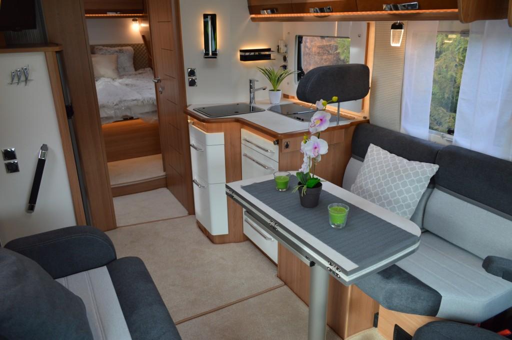 Egy lakóautó a luxus kategóriából
